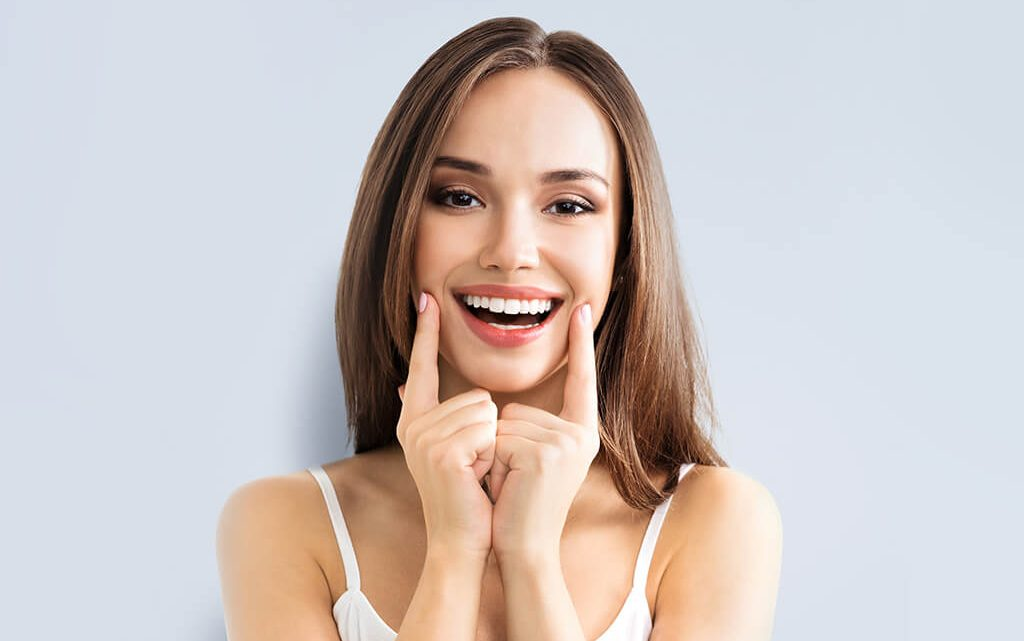 6 reasons to get a smile makeover